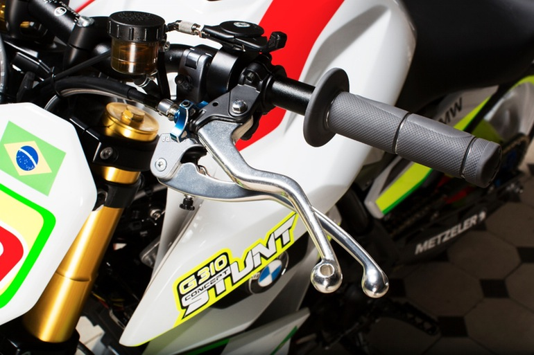 Additional lever on the left bar controls the second rear brake caliper: Photo credit: BMW Motorrad
